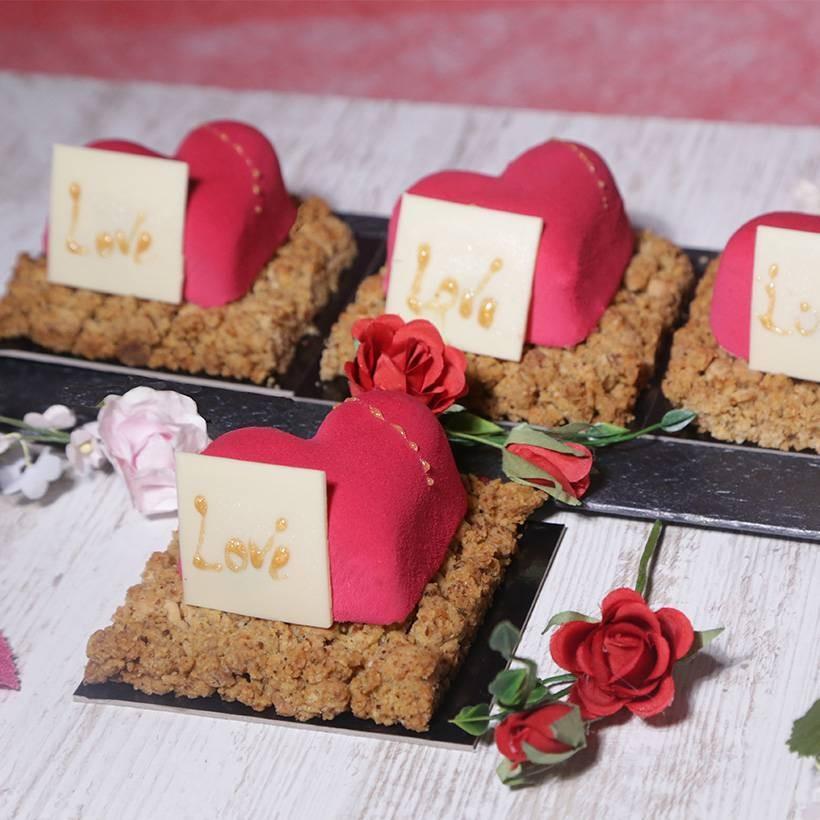 Recette d'entremet framboise vanille tonka forme coeur