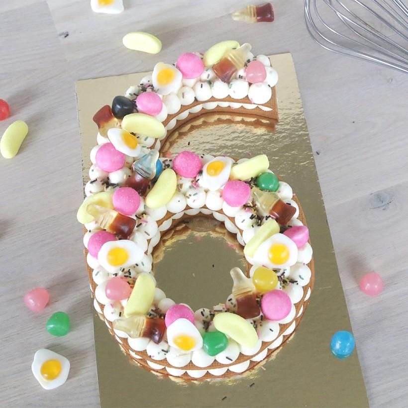 Recette de number cake bonbons