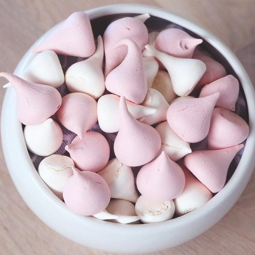 Recette de meringuettes roses et blanches