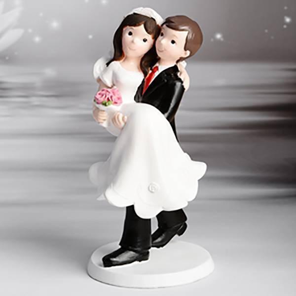 Sujet marié soulève la mariée