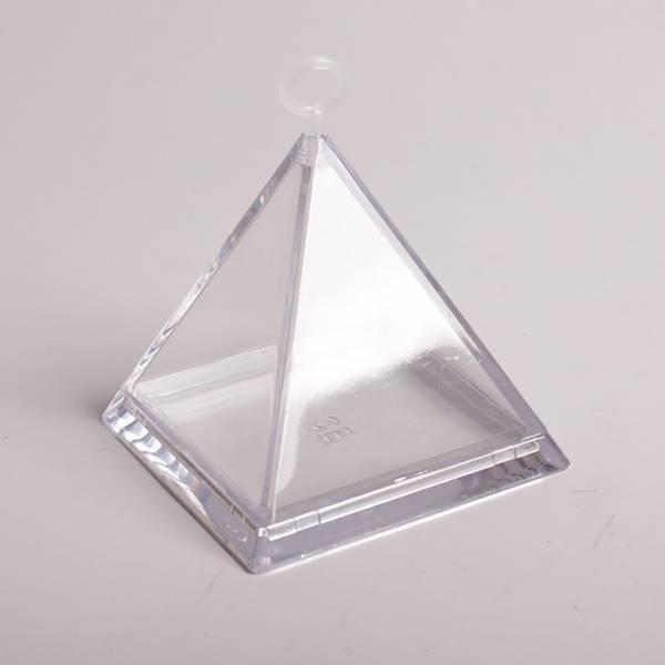 Pyramide transparente