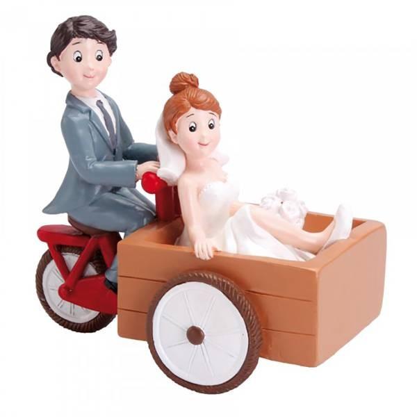 Sujet mariés en triporteur